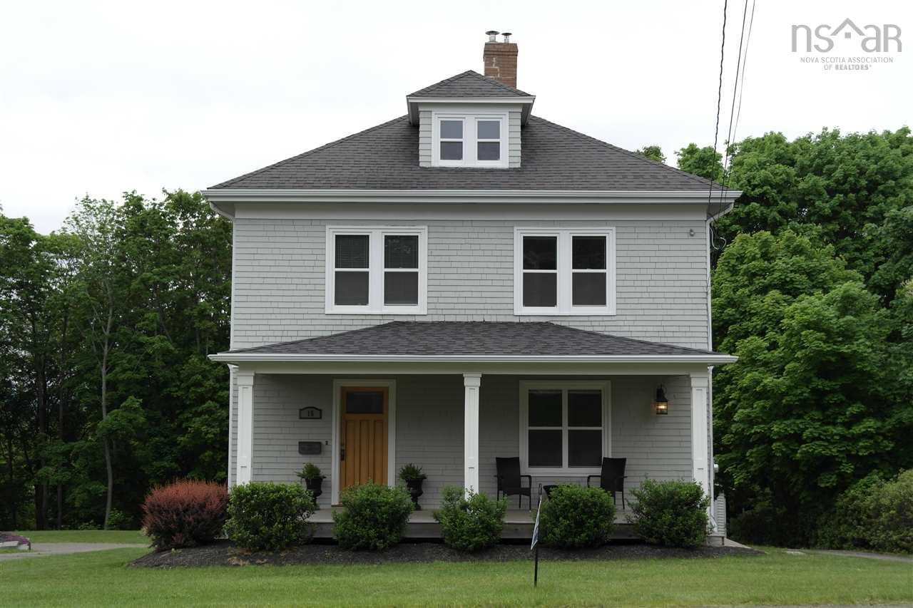 15 Academy Street Kentville