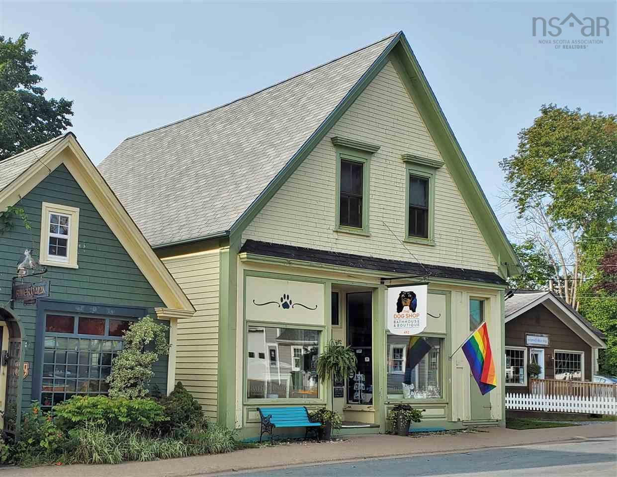 492 Main Street, Mahone Bay, NS B0J 2E0, 2 Bedrooms Bedrooms, ,2 BathroomsBathrooms,Residential,For Sale,492 Main Street,202018696