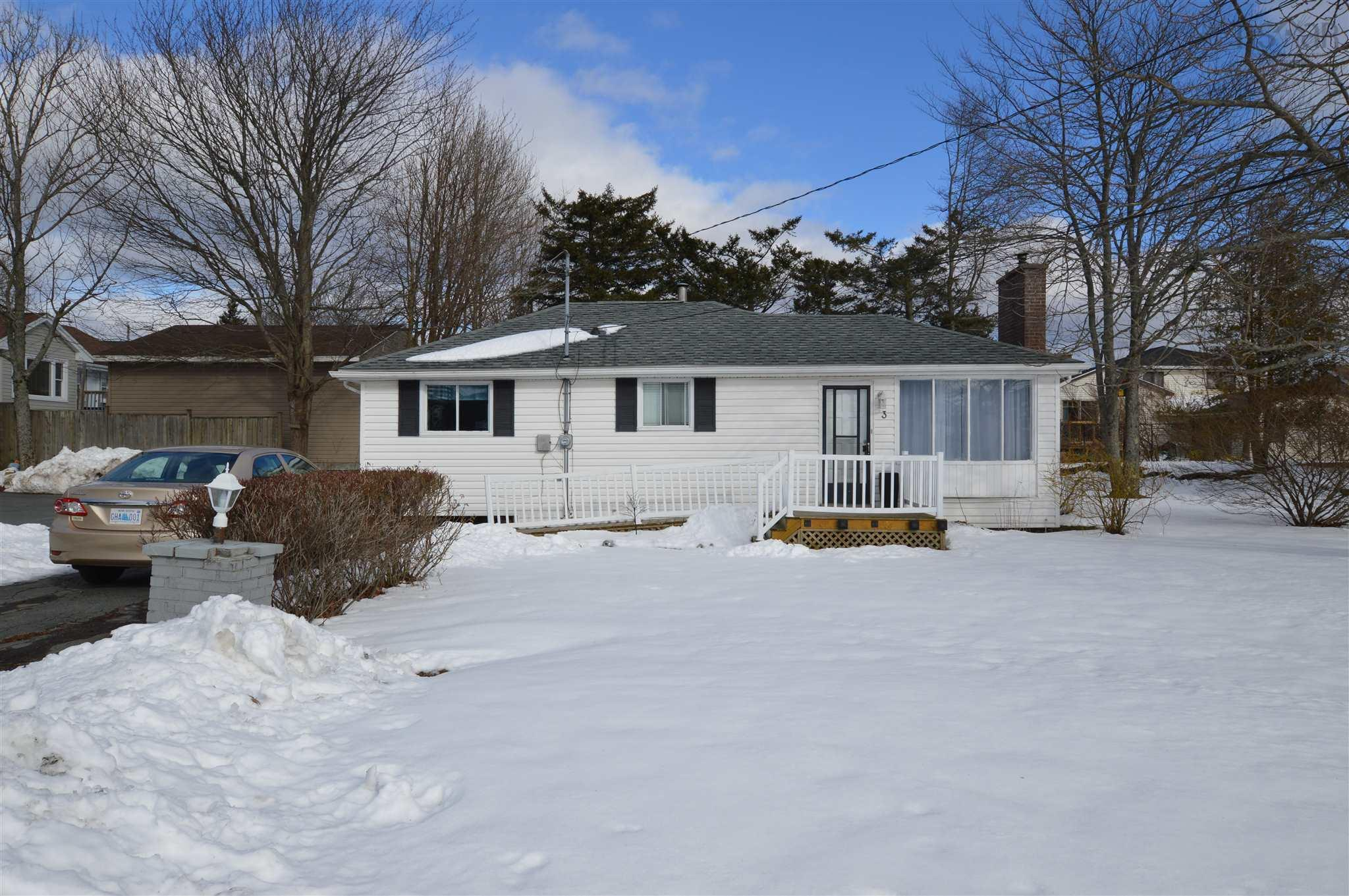 3 WEYBURN RD, DARTMOUTH, NS