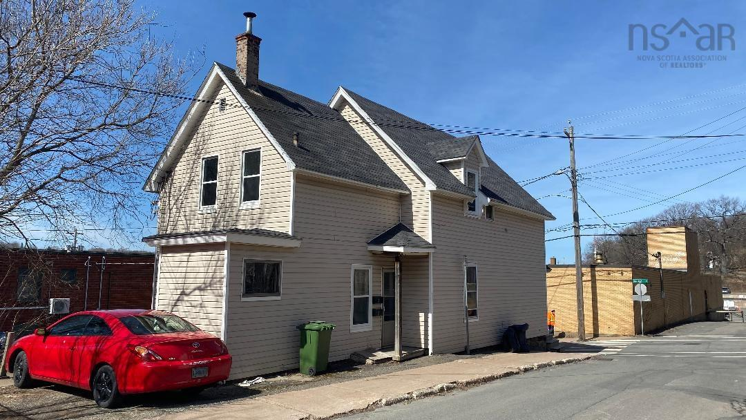 203 MacLean, New Glasgow, Pictou, NS, United States B2H 4M7, ,Multi-unit,For Sale,203 MacLean,202106805