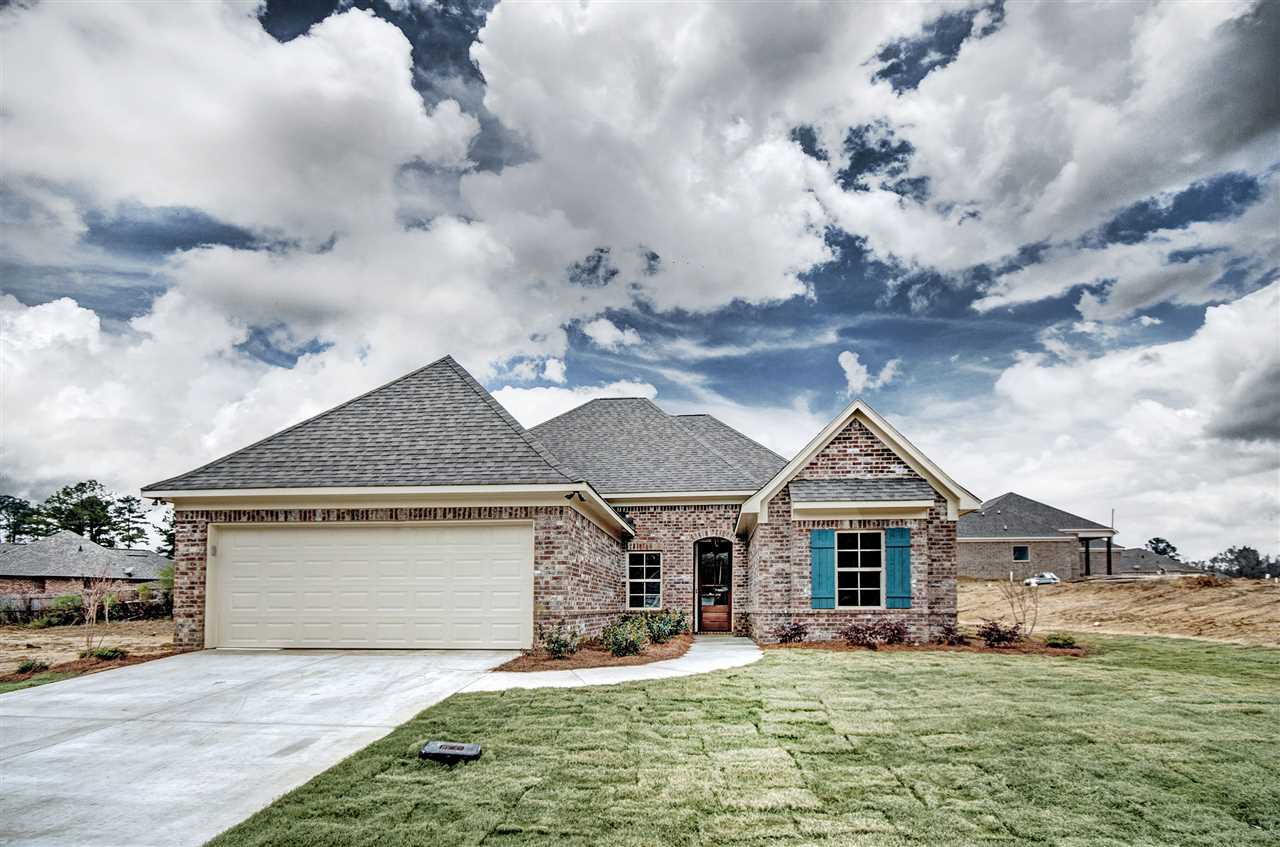 Homes for sale 922 willow grande cir brandon ms 39047 for Usda homes for sale in ms