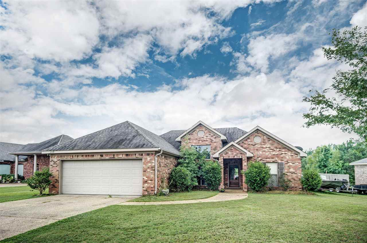 109 CARRIAGE LN, Florence