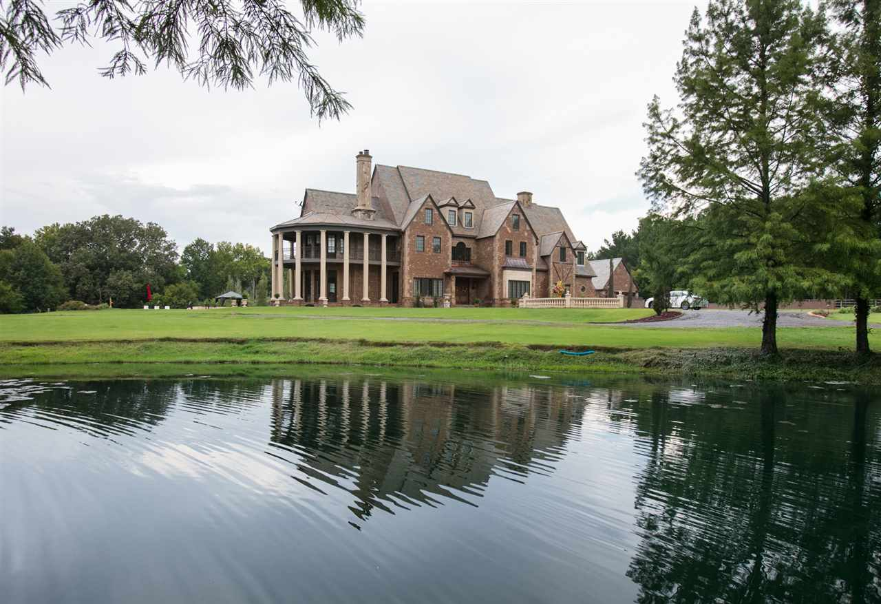 325 LAKESHIRE PKWY, Canton