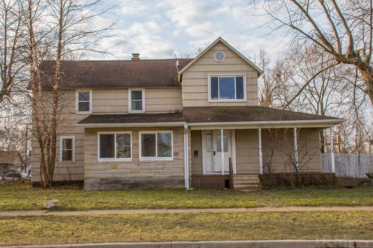 2826  Pleasant St South Bend, IN 46615
