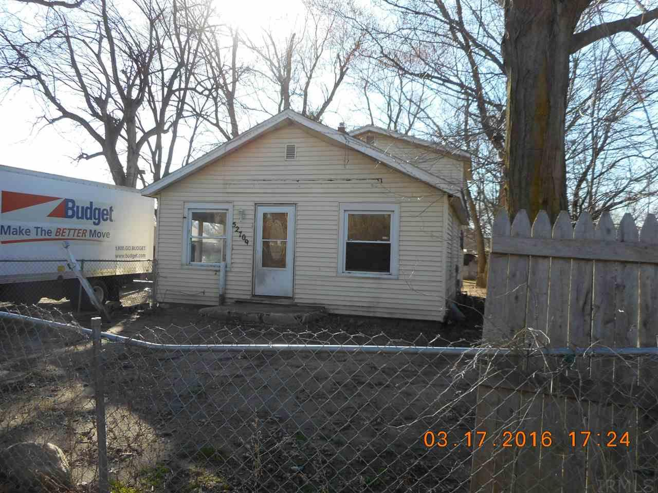 52709  Hollyhock South Bend, IN 46637