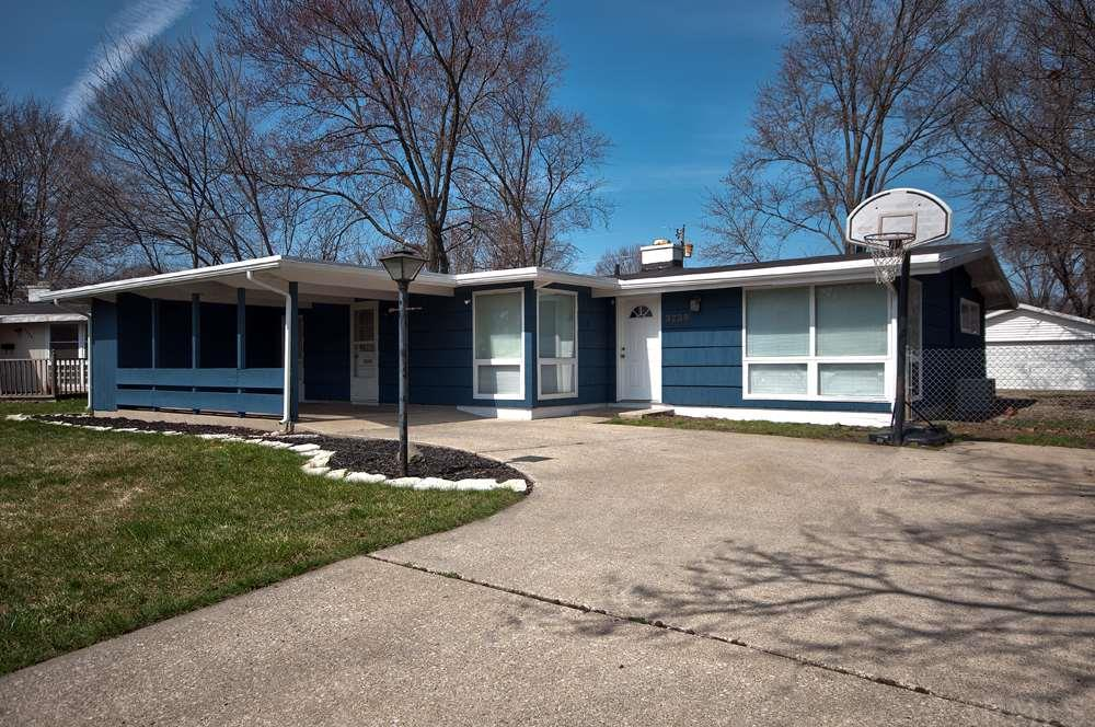3239  Essex South Bend, IN 46615
