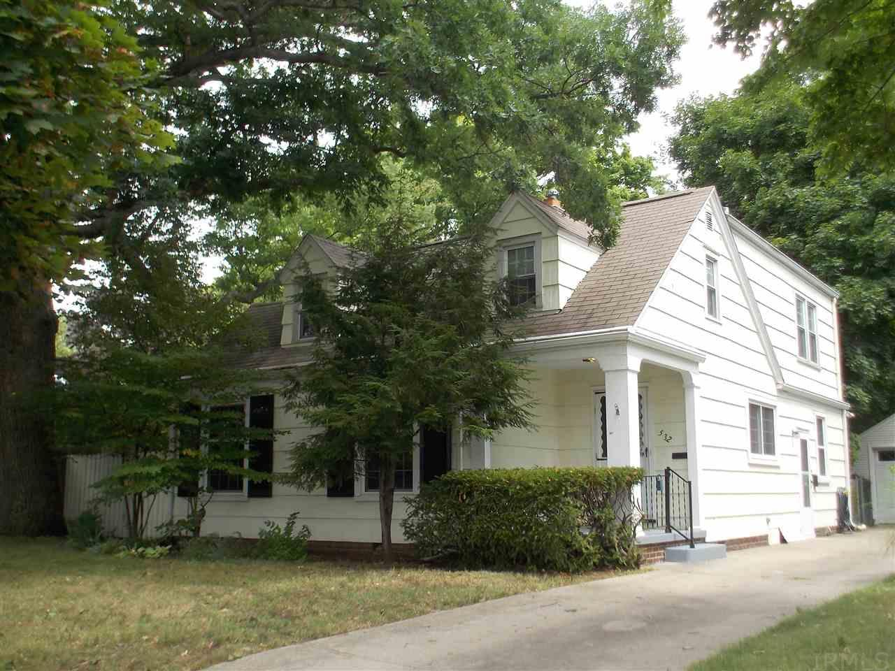 532  Sunnyside South Bend, IN 46615