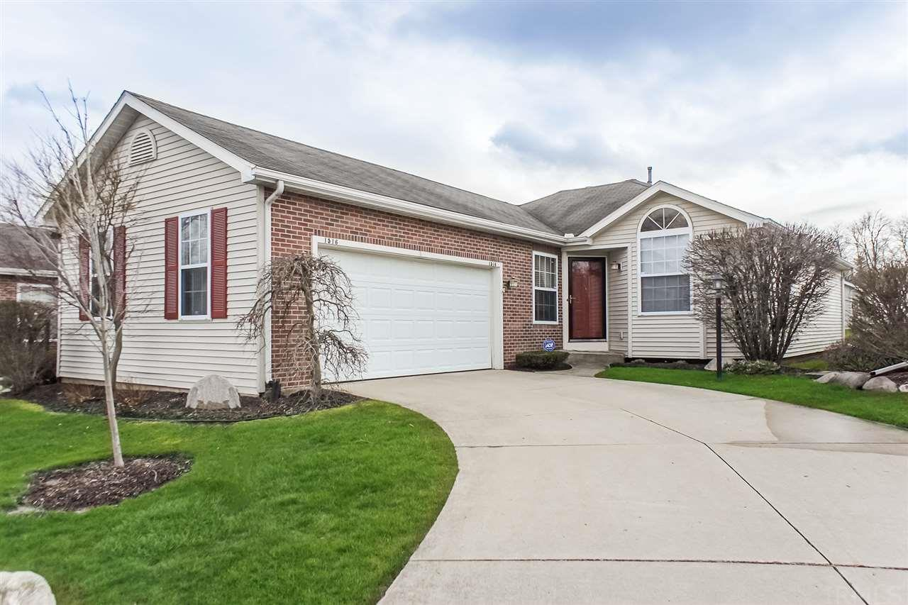 1516  Sawgrass South Bend, IN 46628