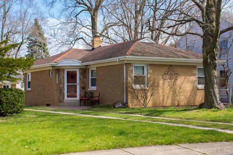 1009 E Woodside South Bend, IN 46614