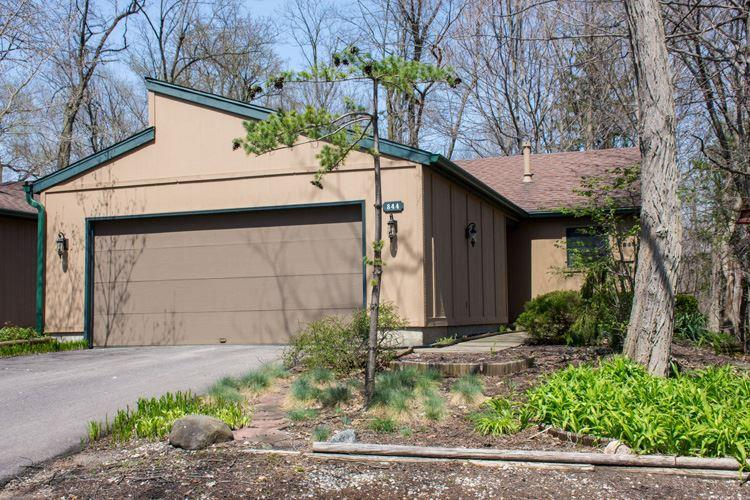 844  Trailridge E Mishawaka, IN 46544