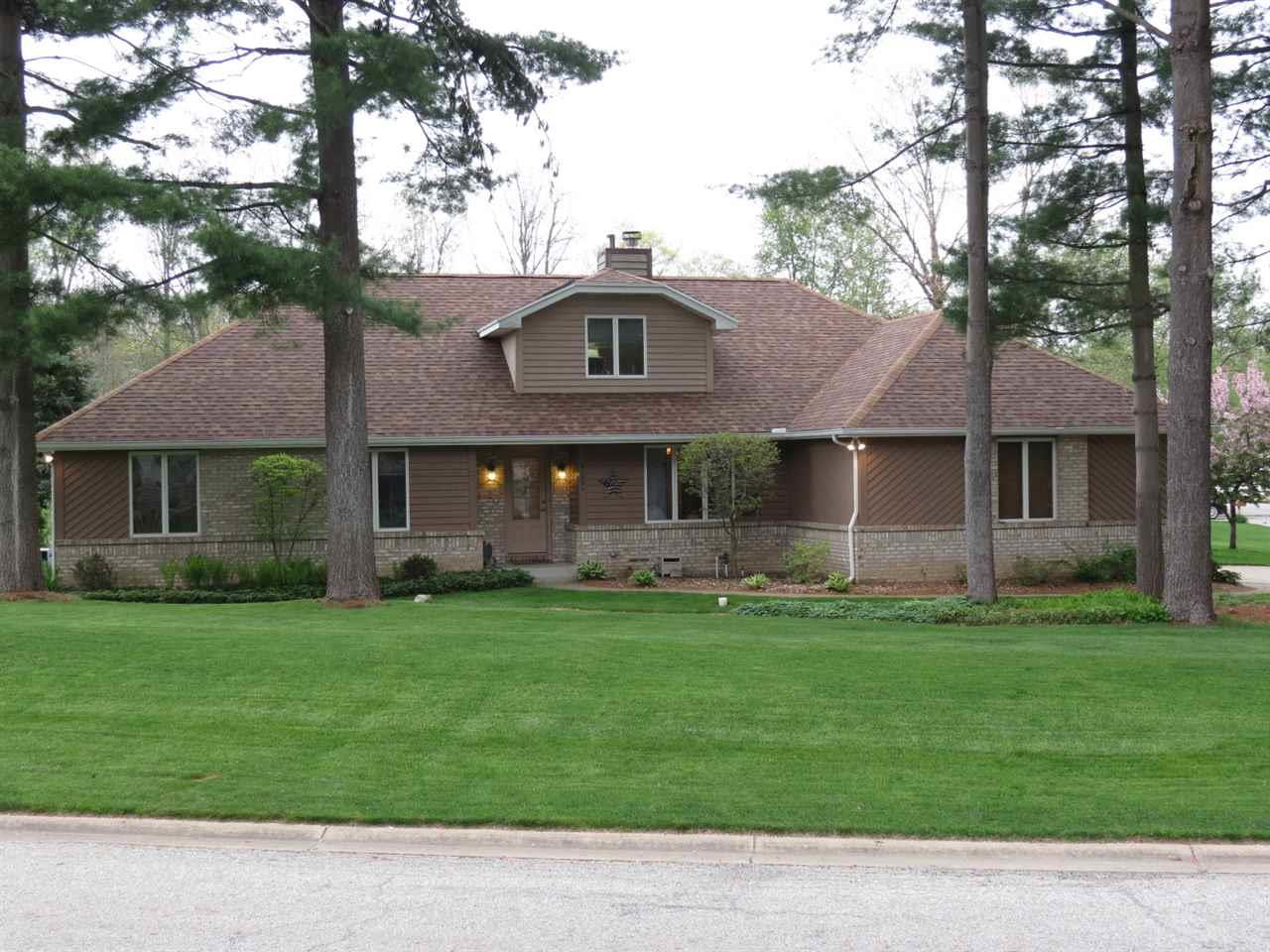 21931  Pine Hollow South Bend, IN 46628