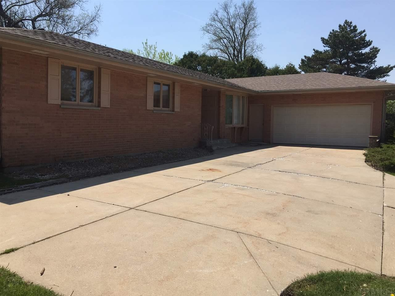 1014 E Eckman South Bend, IN 46614