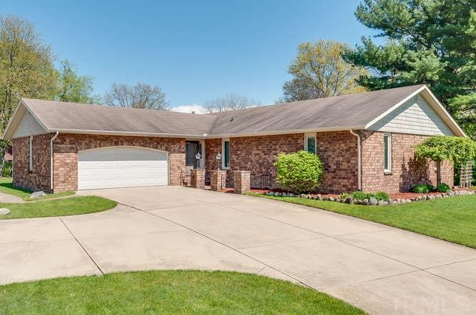 52410  Cavalier Ct South Bend, IN 46635