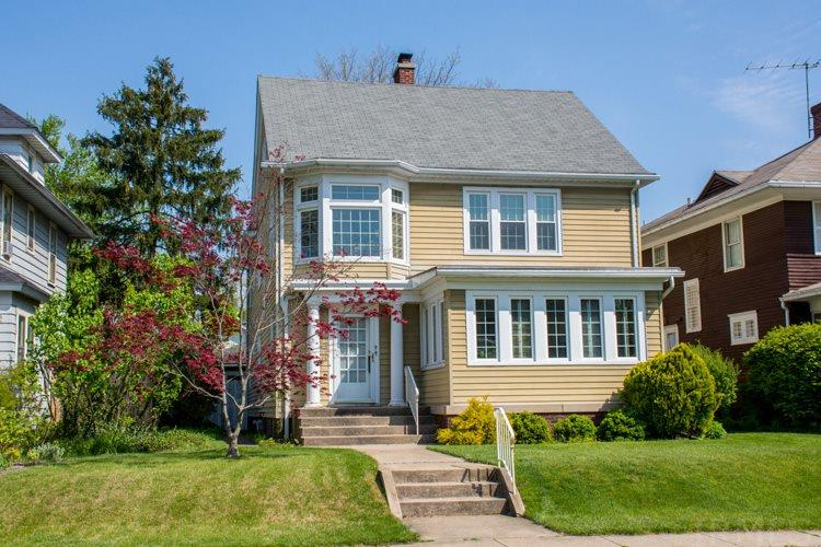 215  Wakewa South Bend, IN 46617