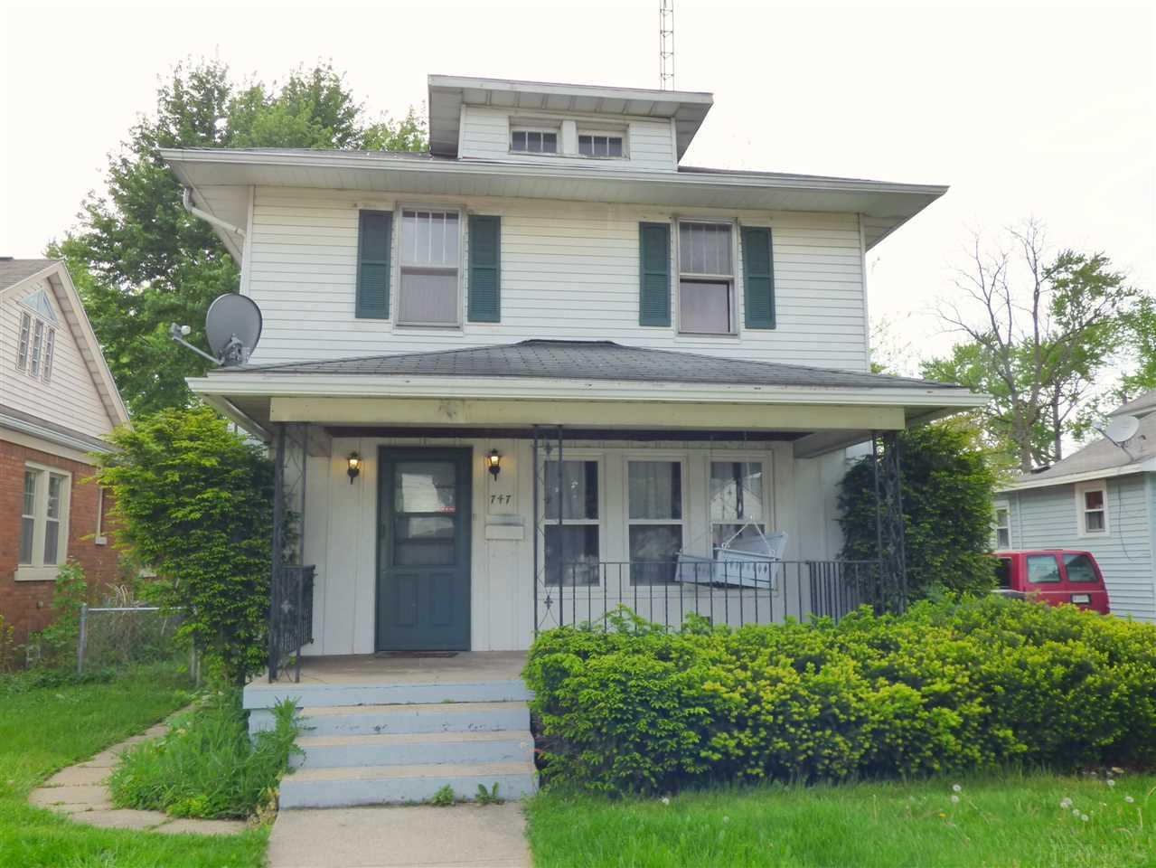 747 S 27th South Bend, IN 46615