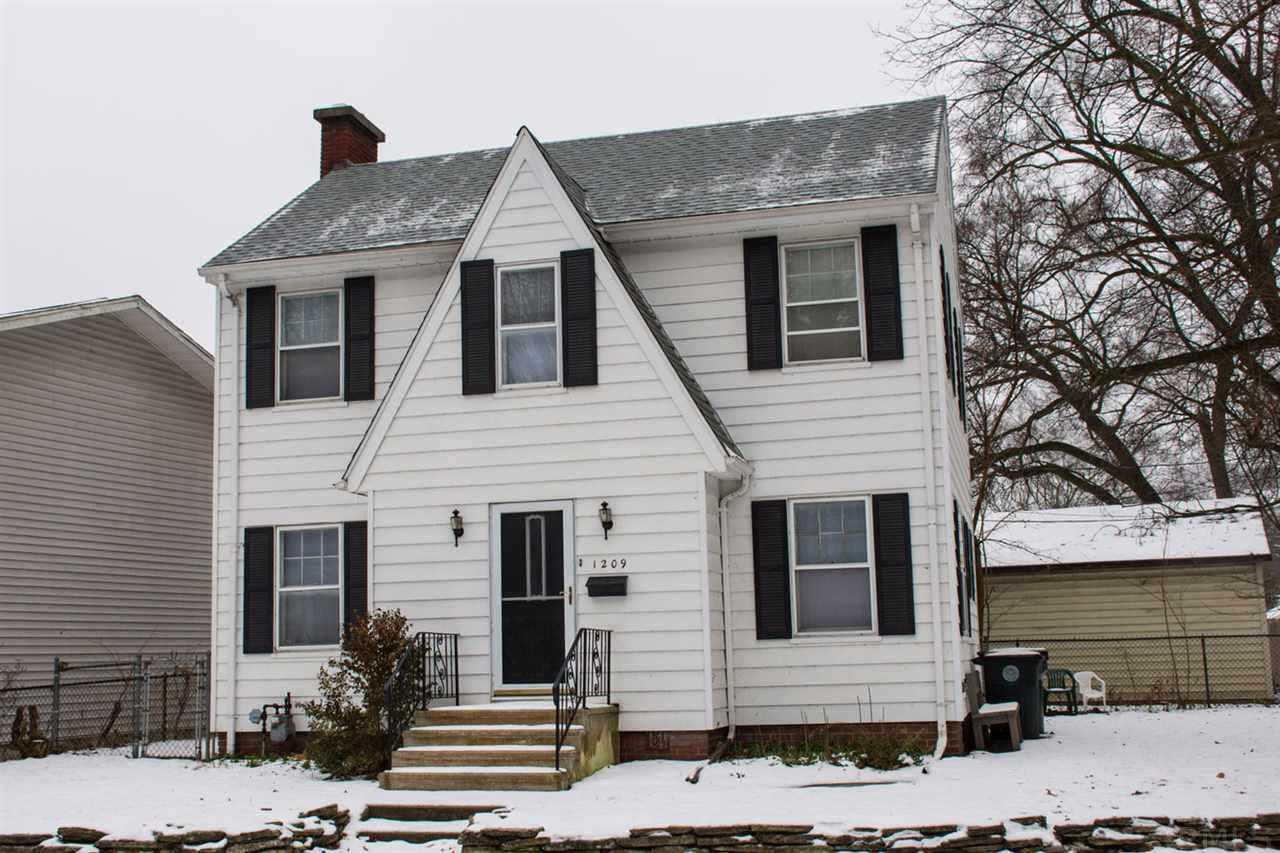 1209  Hillcrest South Bend, IN 46617