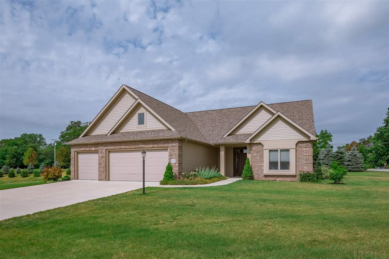 813  Red Robin North Liberty, IN 46554