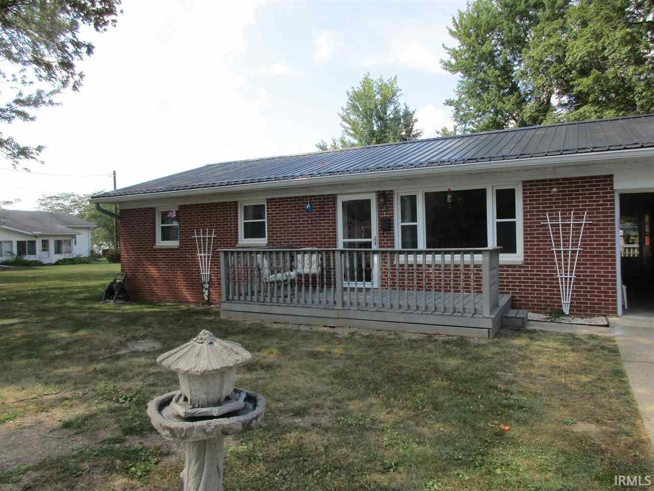 Astonishing 28 W Washington Street Williamsport 47993 Sold Listing Carpenter Realtors Inc Home Interior And Landscaping Synyenasavecom