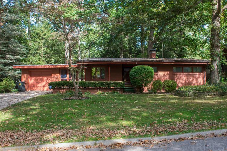 1603  Dorwood South Bend, IN 46617
