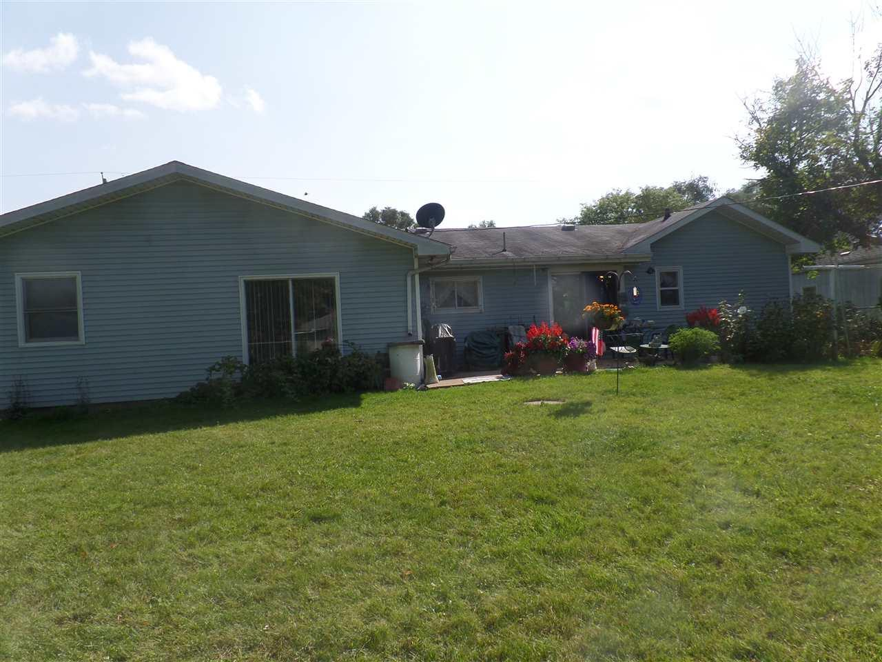 129 E Willow South Bend, IN 46637