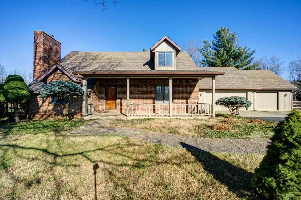 2495 W Plateau Place Bloomington, IN 47401