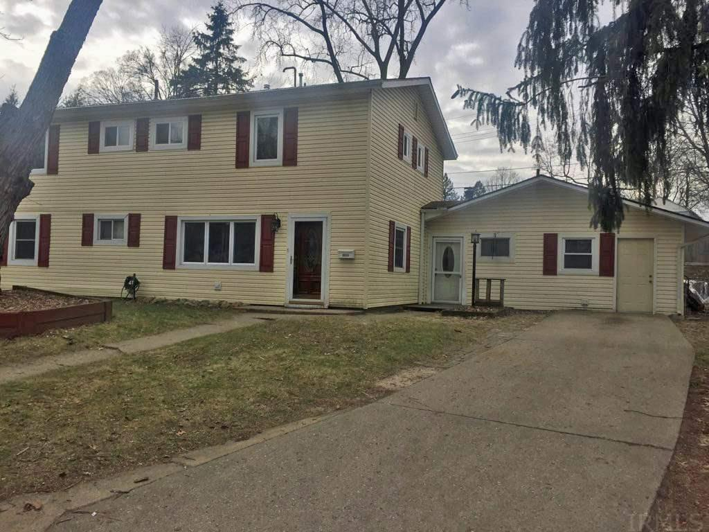 2511  Ash Ln South Bend, IN 46614
