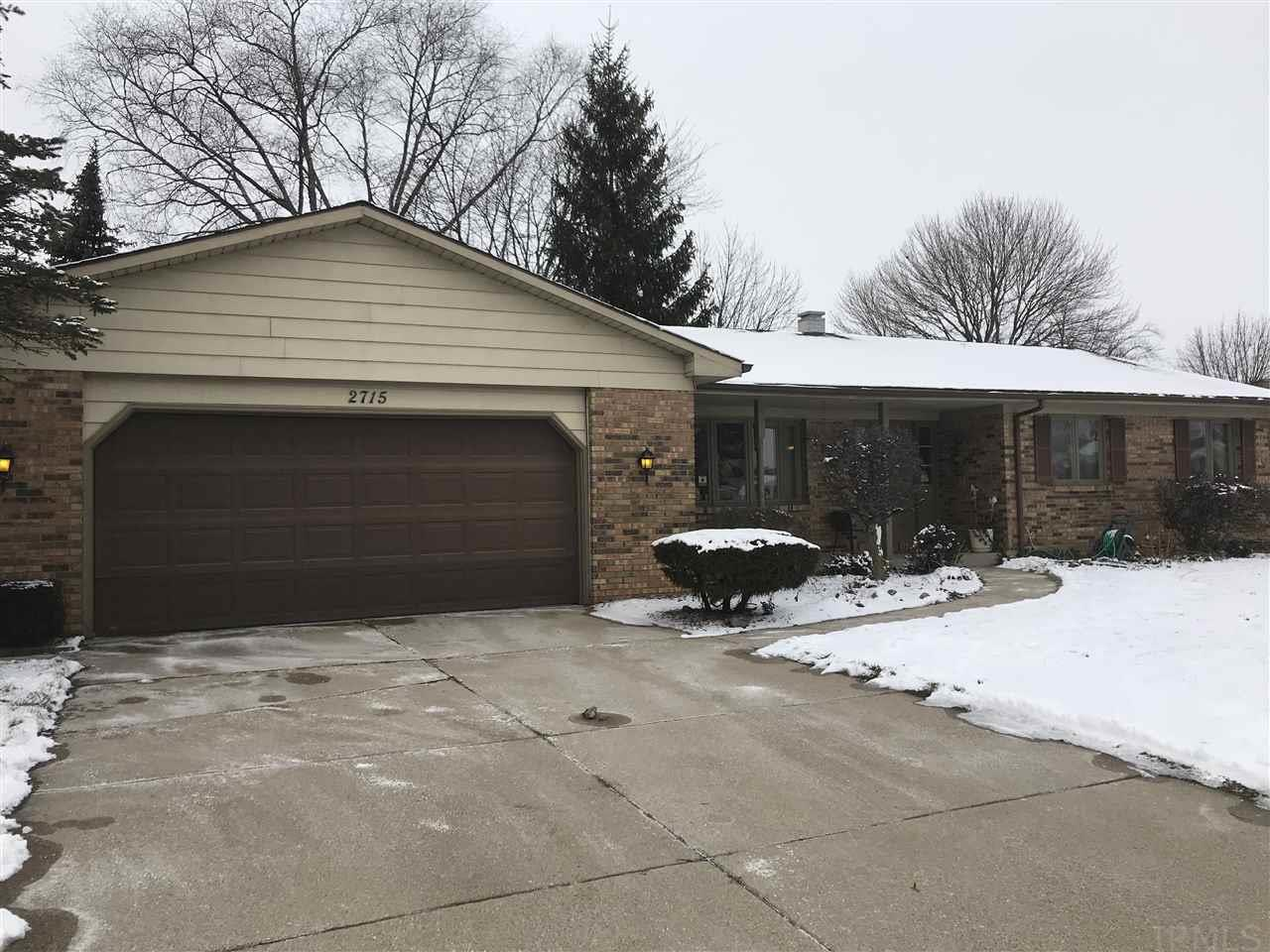 2715  Thunderbird Ct South Bend, IN 46628