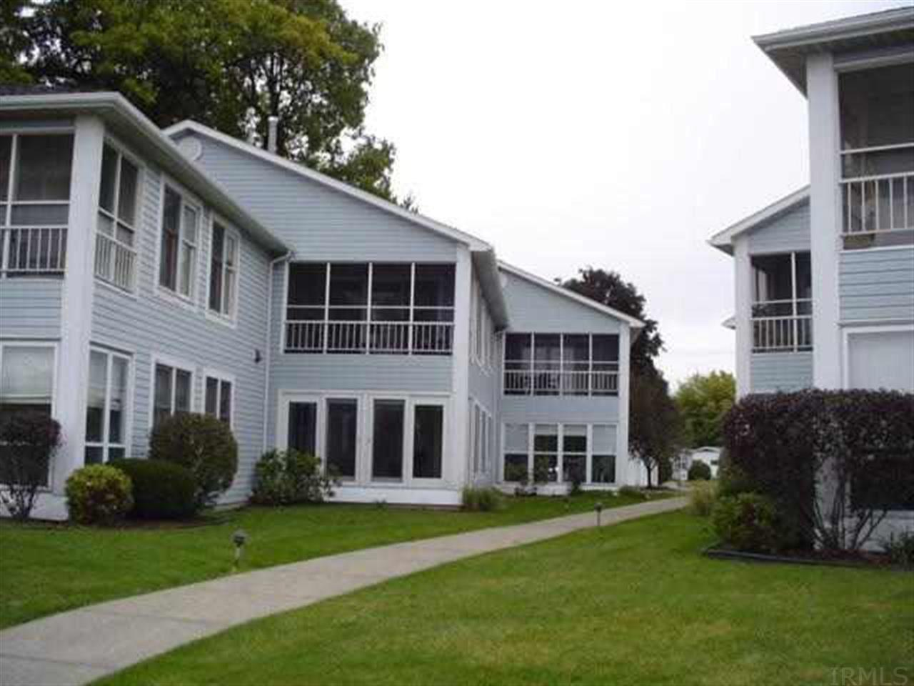 510 S Harkless Dr  #10 Syracuse, IN 46567