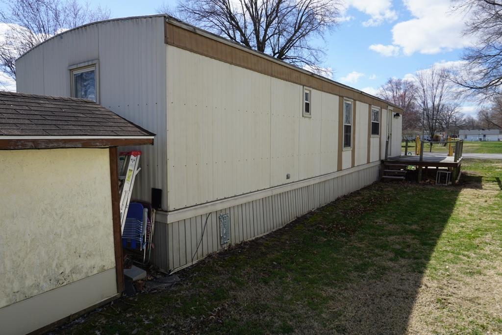 1126 N 8 Th St, Mitchell, IN - USA (photo 4)