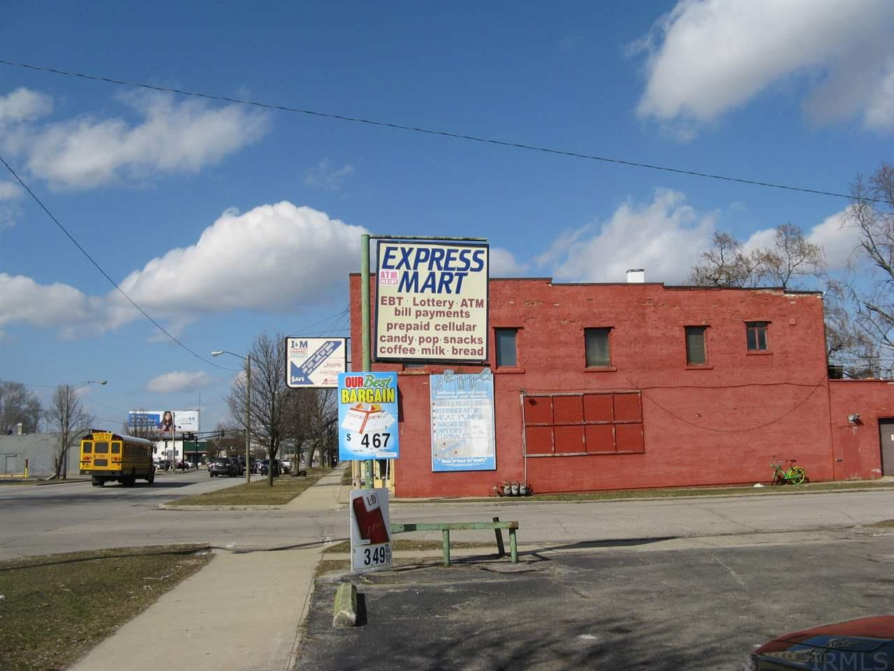 1702 S Michigan South Bend, IN 46613