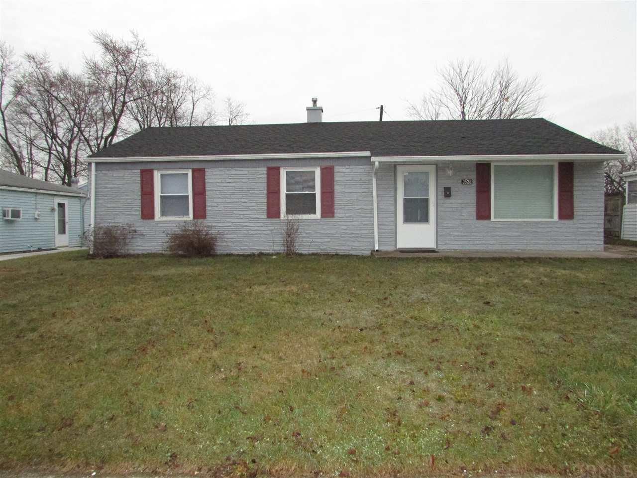 3526  Woldhaven South Bend, IN 46614