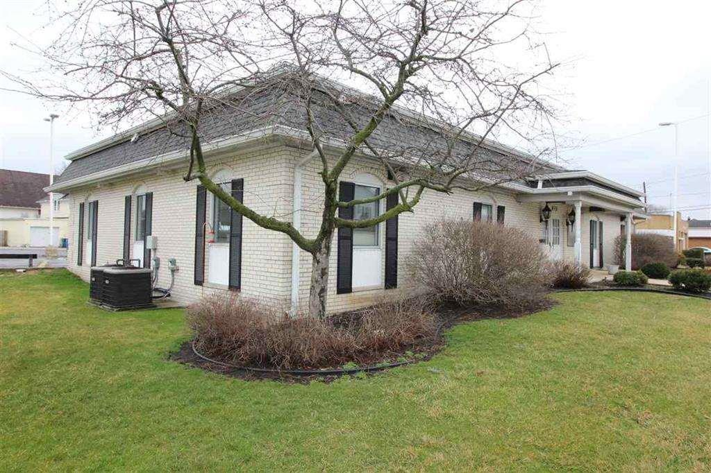 222 S Michigan Lakeville, IN 46536