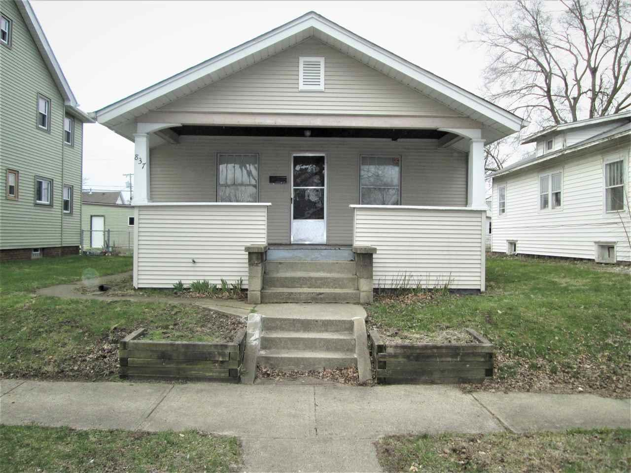 837 S 27TH South Bend, IN 46615
