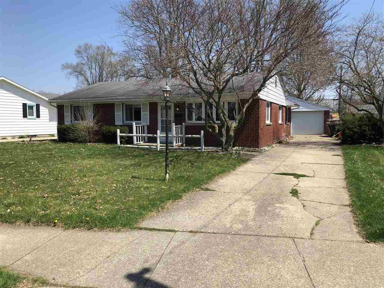 1610  Gordon South Bend, IN 46635