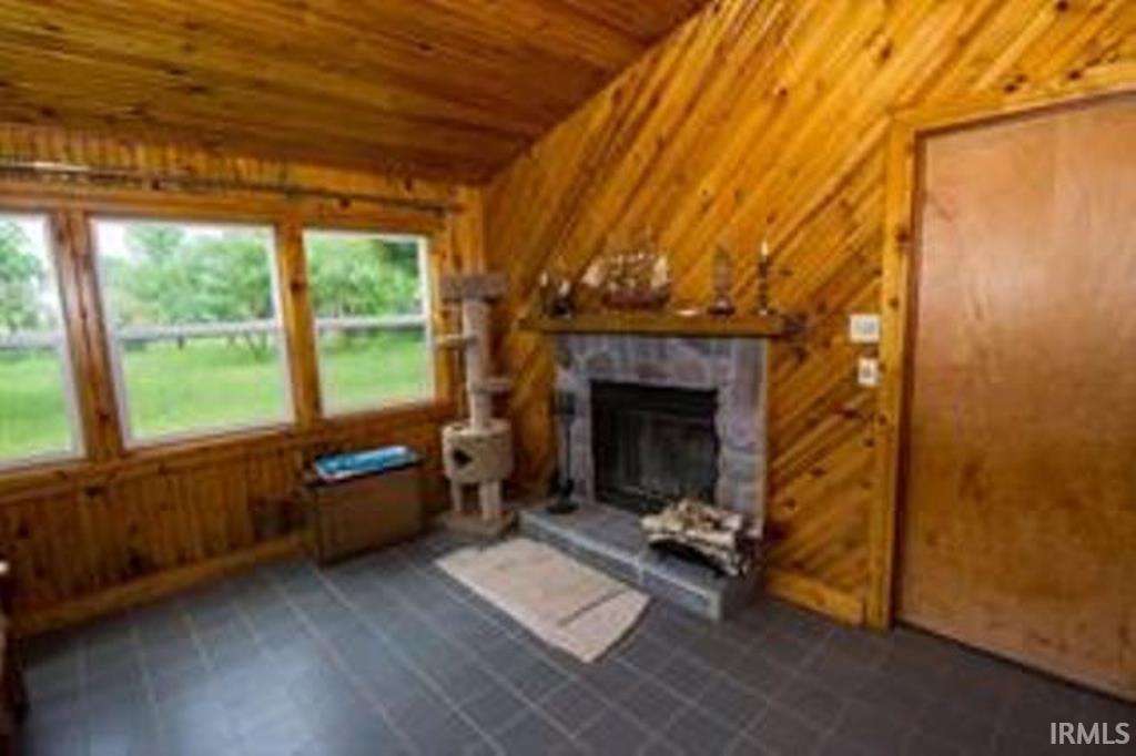 56687  Lake Osceola, IN 46561