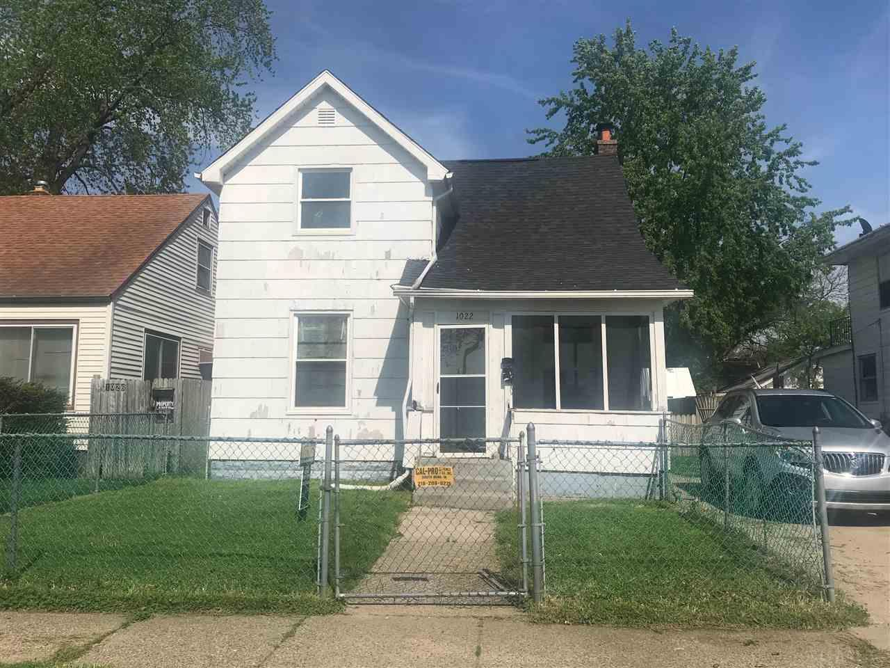 1022 Huey South Bend, IN 46628