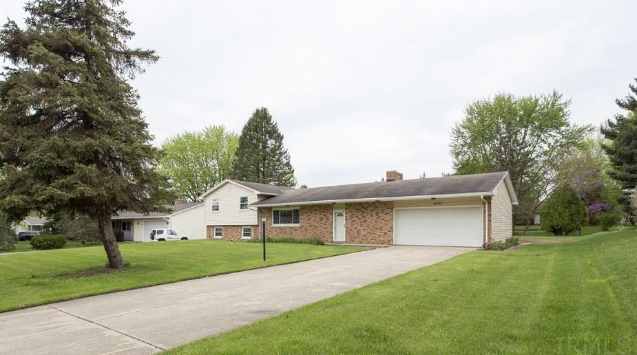 18323  Chaucer Ln South Bend, IN 46637