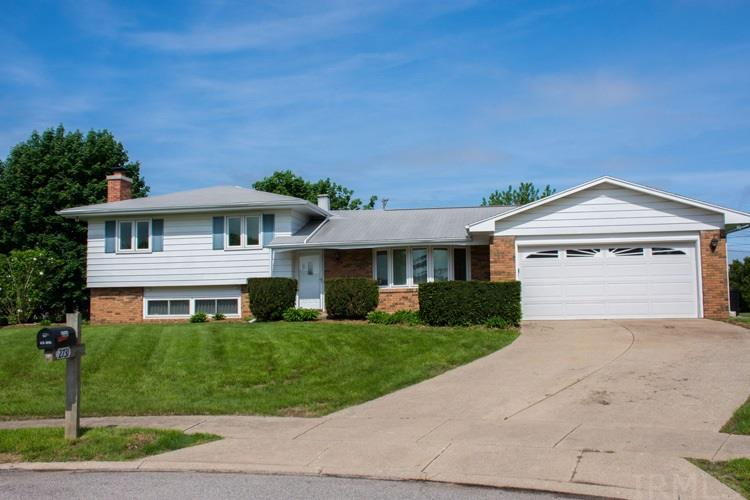 2731  Thunderbird South Bend, IN 46628