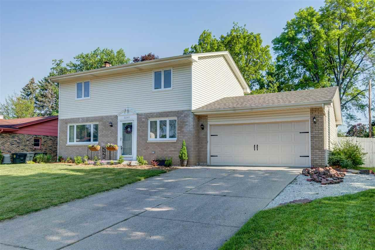 2249  Ribourde South Bend, IN 46628