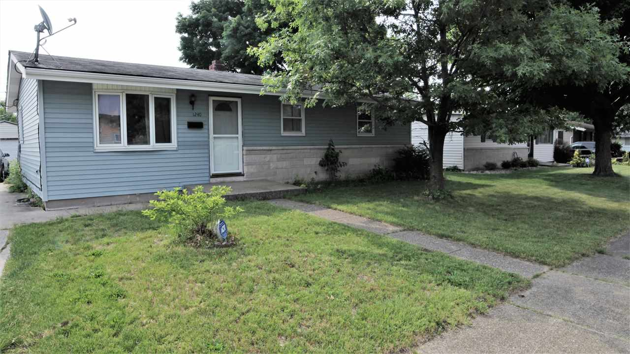 1240 Ryer South Bend, IN 46628
