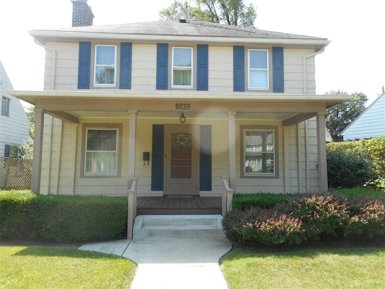 1302 Chester South Bend, IN 46615