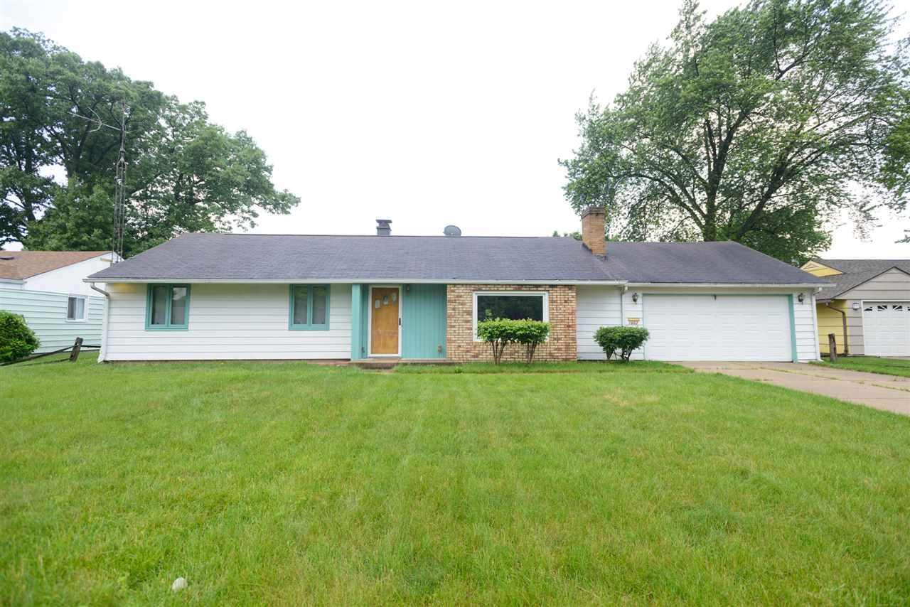 1662 Greenwood South Bend, IN 46614
