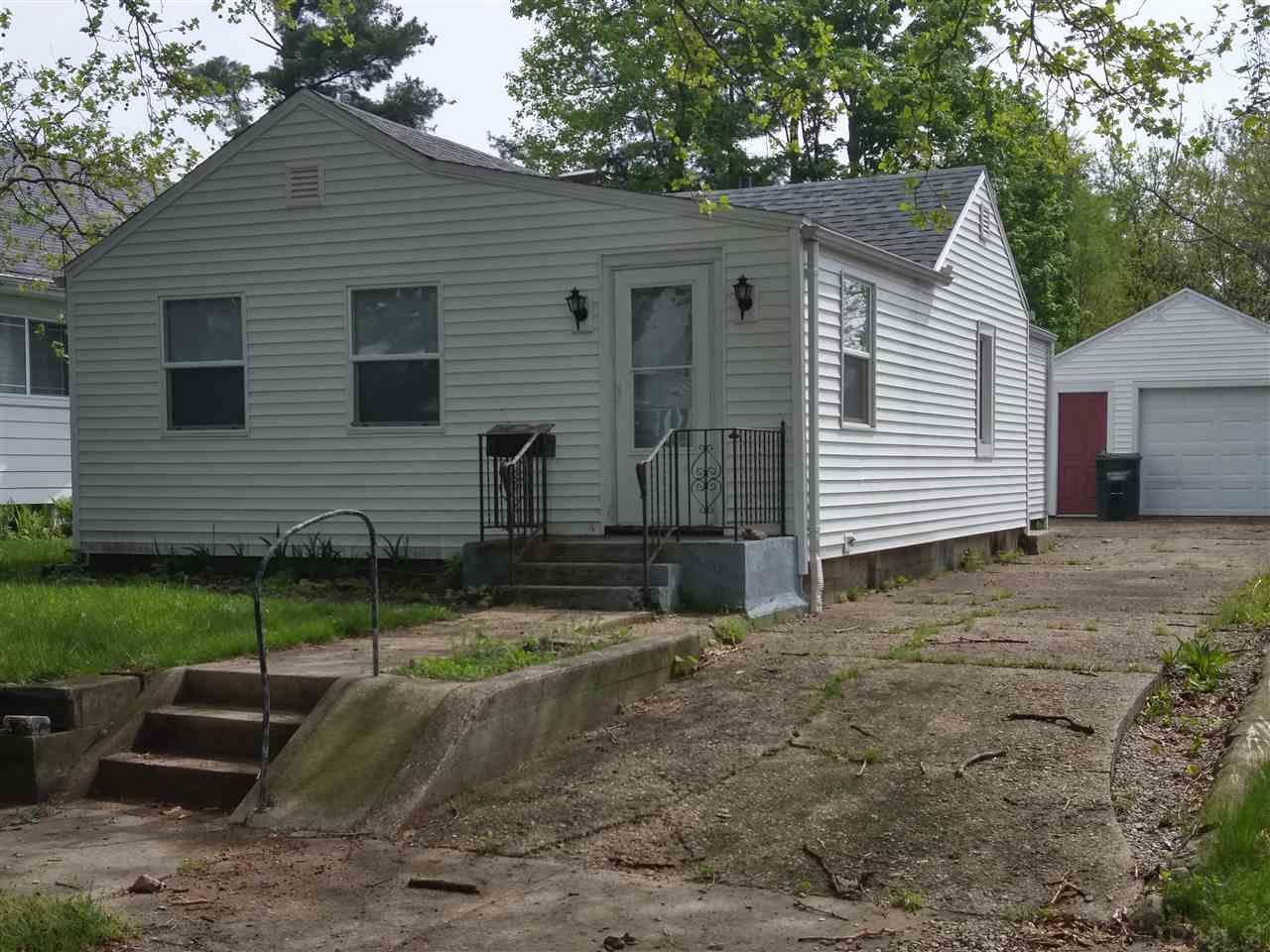 614 S 25TH South Bend, IN 46615