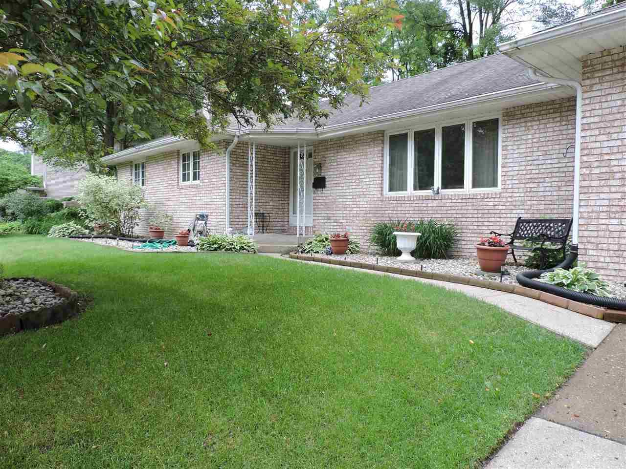 1240 Eaton South Bend, IN 46614
