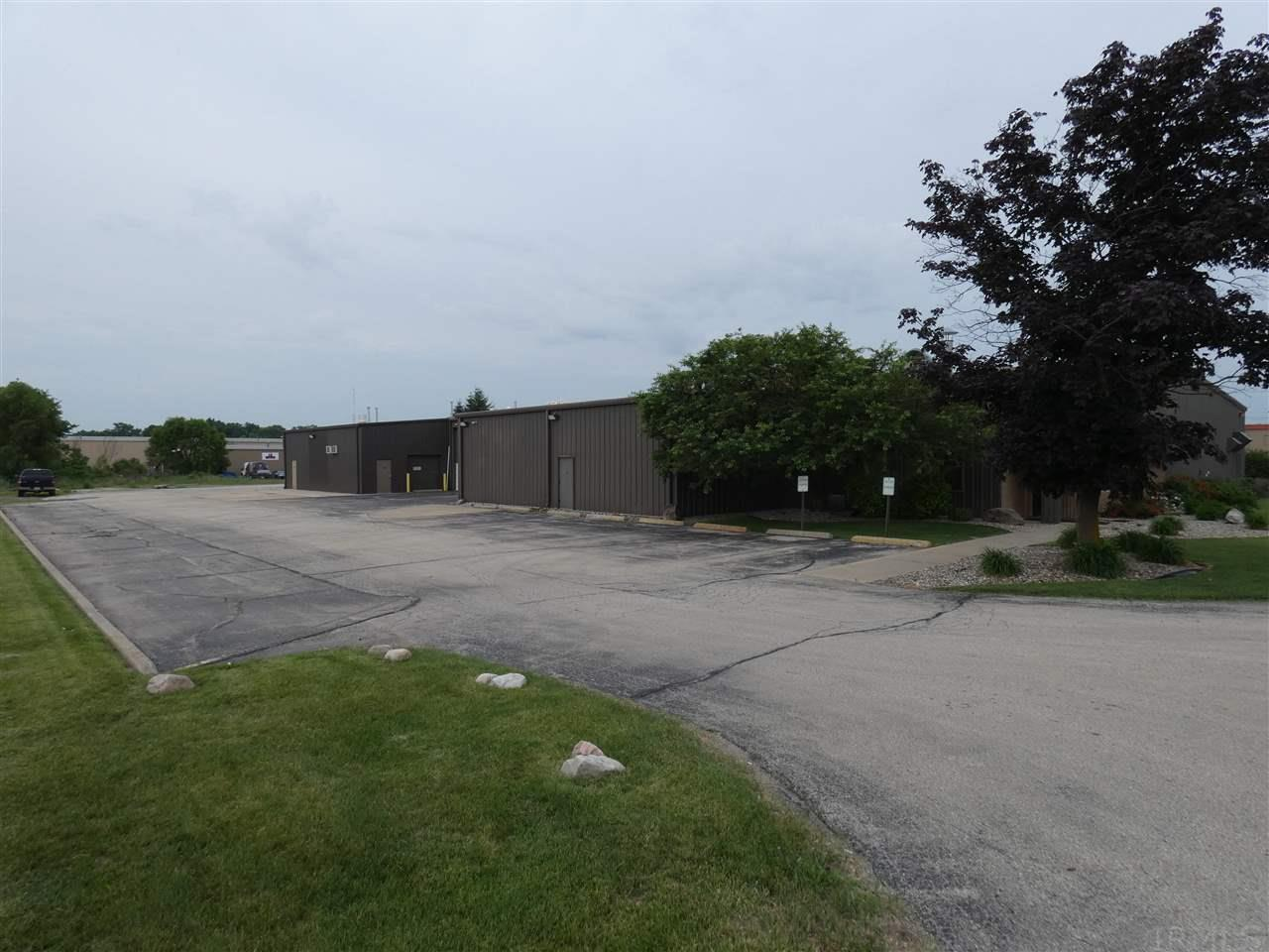 2505 Middlebury Elkhart, IN 46516