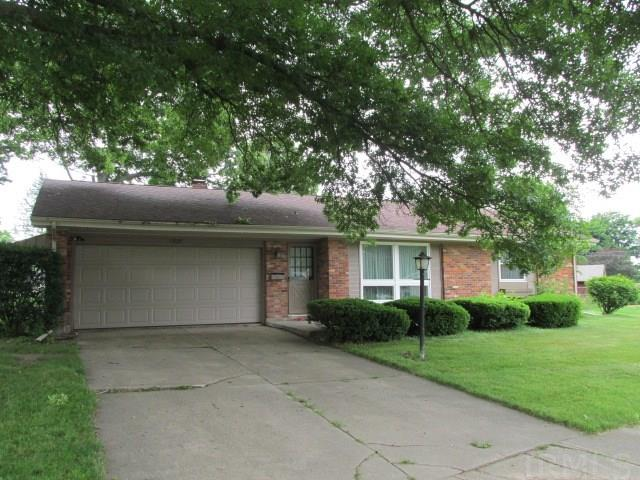 1520 Dunbarton South Bend, IN 46614