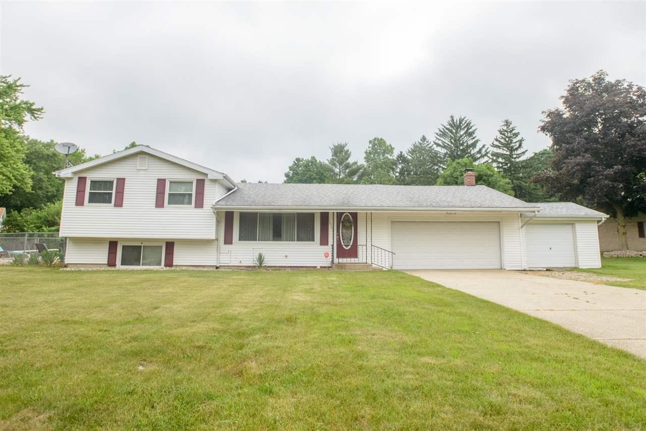 18345 Chipstead South Bend, IN 46637
