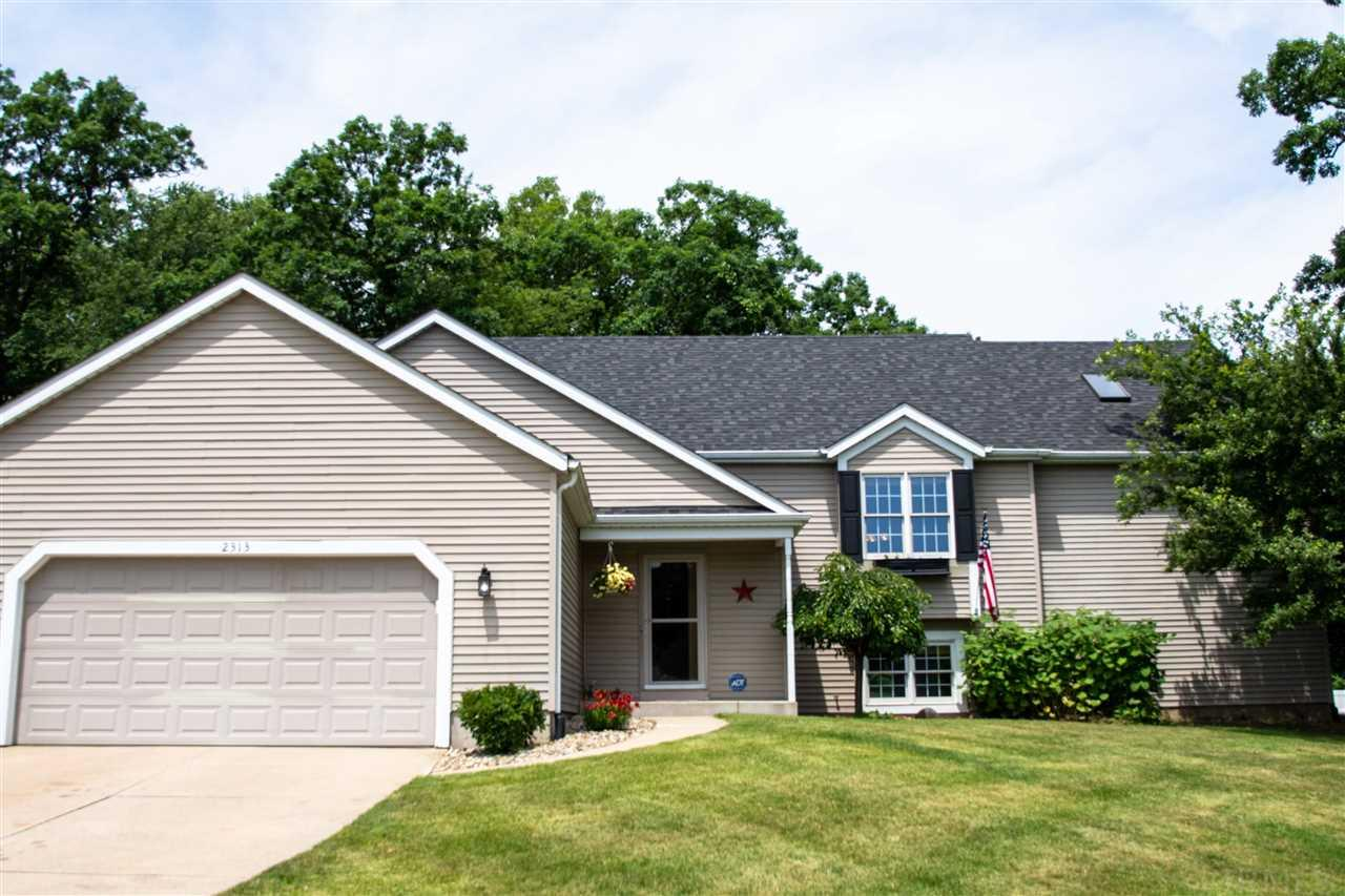 2313 Pine Creek South Bend, IN 46628