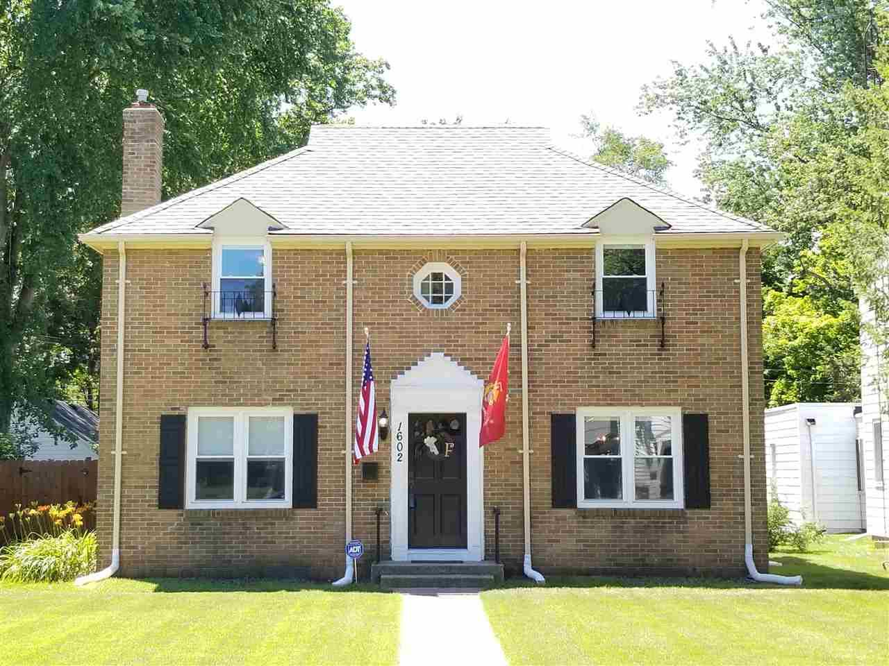 1602 E Lasalle South Bend, IN 46617
