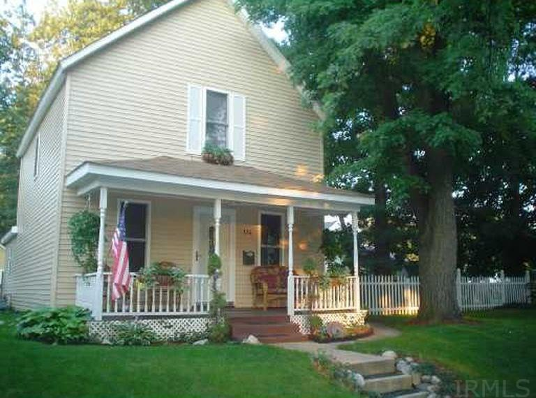 1114 S 25TH South Bend, IN 46615